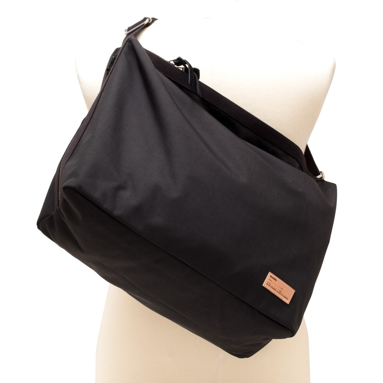 Fang Side Zip  Shoulder Noir